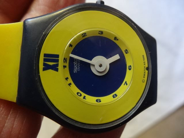 SWATCH,QUARTZ,LÄÜFT.SCHÖNE MODEL WATCH