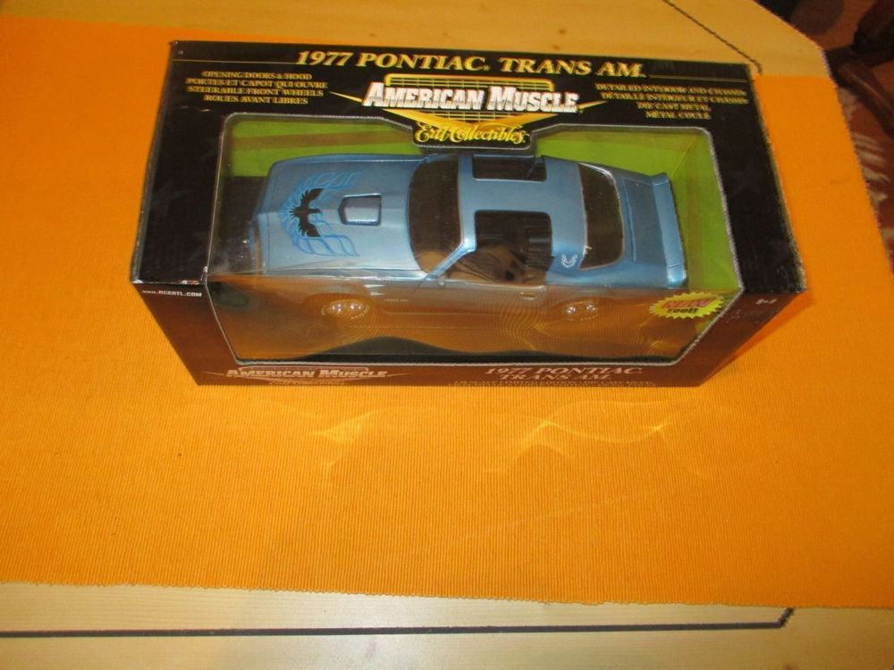 1977 Pontiac Trans Am 1/ 18 Muscle CAR