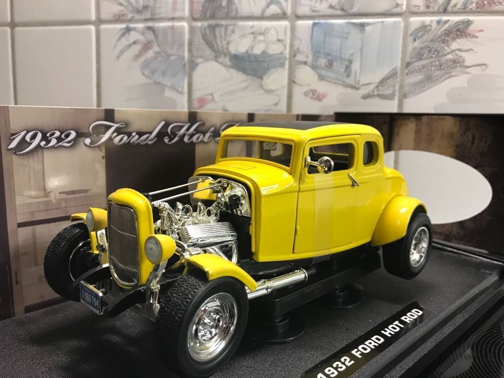 Ford Hot Rod 1932 gelb 1/18 MotorMax NEU