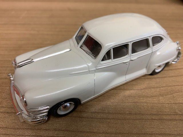 VITESSE CHRYSLER WINDSOR SEDAN 1947 1/43
