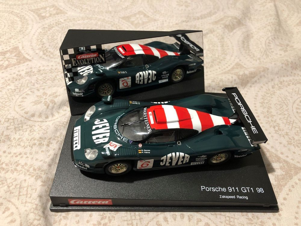 Carrera Evolution 132 Porsche 911 GT1 98