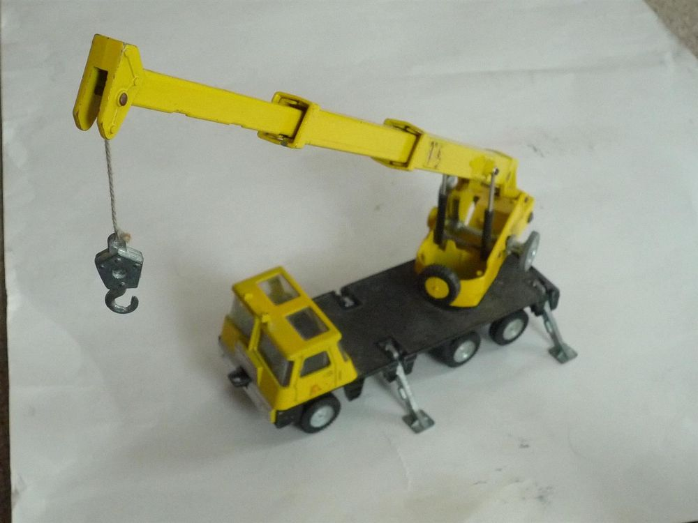 Dinky Toys 980 Coles Hydra Truck 150T