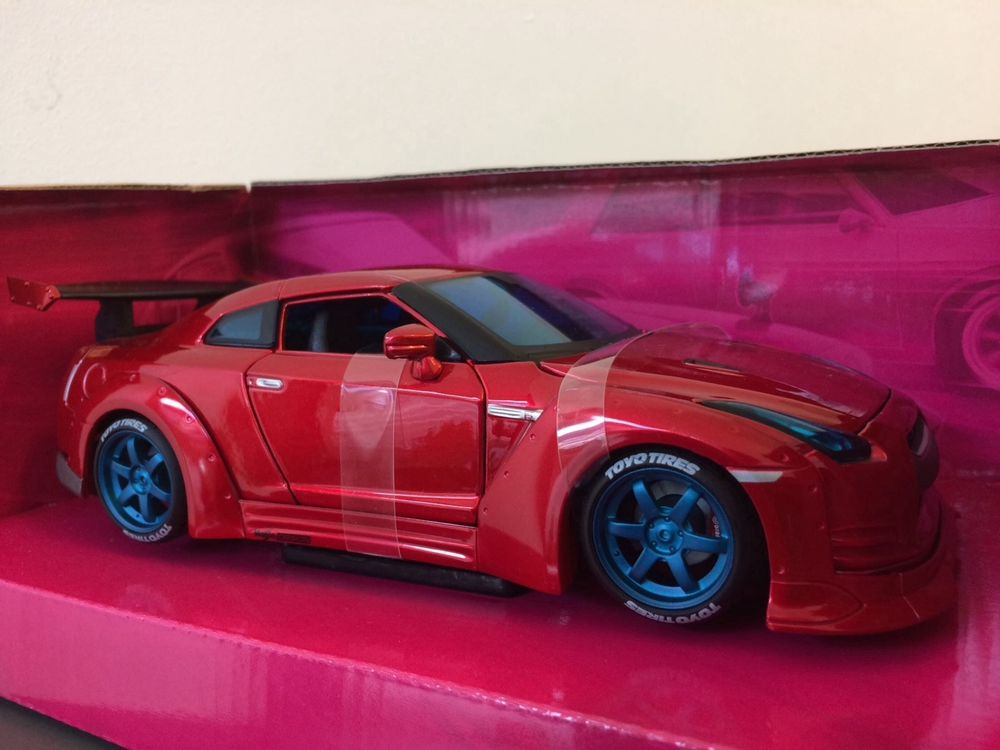 Nissan GT-R rot 1971 1/24 Tuning