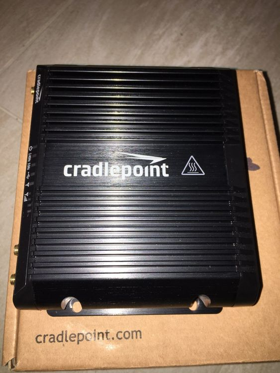 Router 4G LTE Wifi Cradlepoint IBR1100