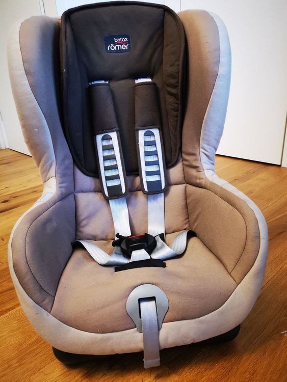 britax r mer kindersitz duo plus isofix acheter sur ricardo. Black Bedroom Furniture Sets. Home Design Ideas