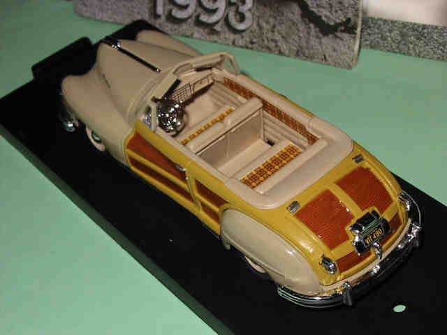 Chrysler Town & Country 1947 * 1:43