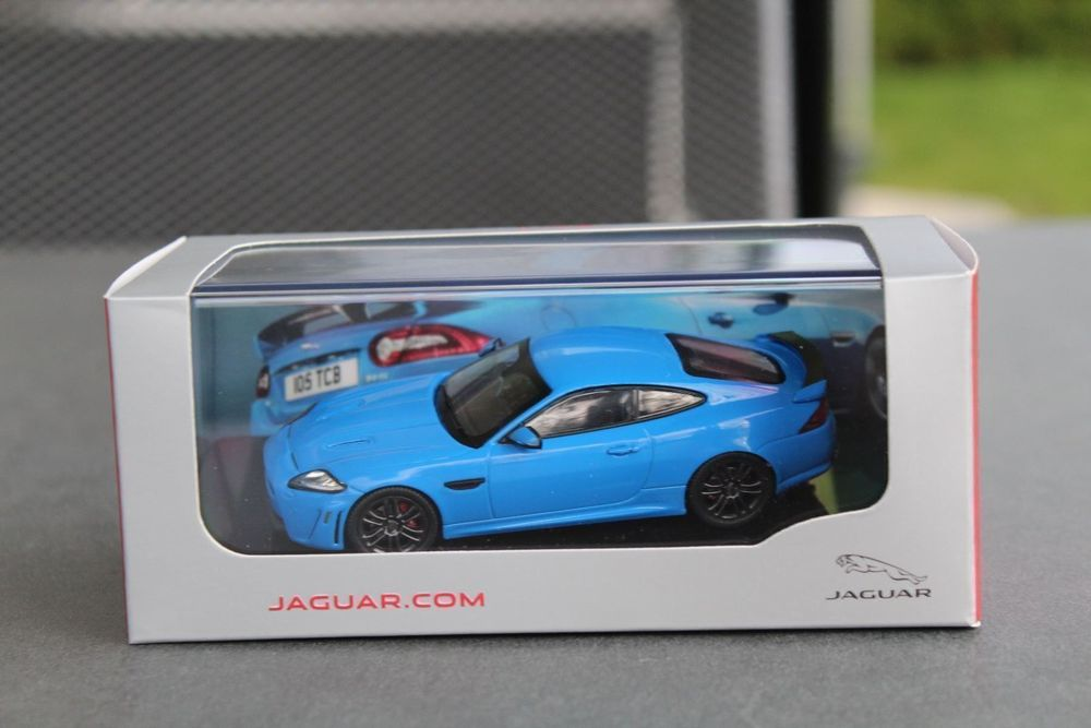 Jaguar XK RS 1:43 IXO
