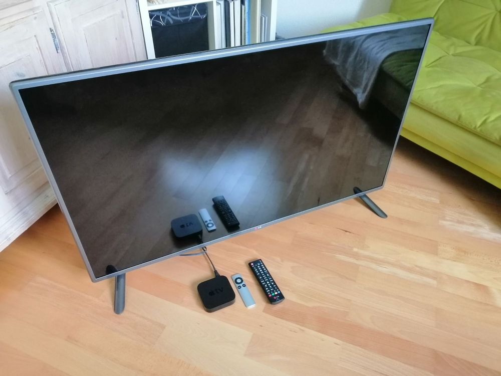 LG TV Full HD 47 Zoll + Apple TV Box