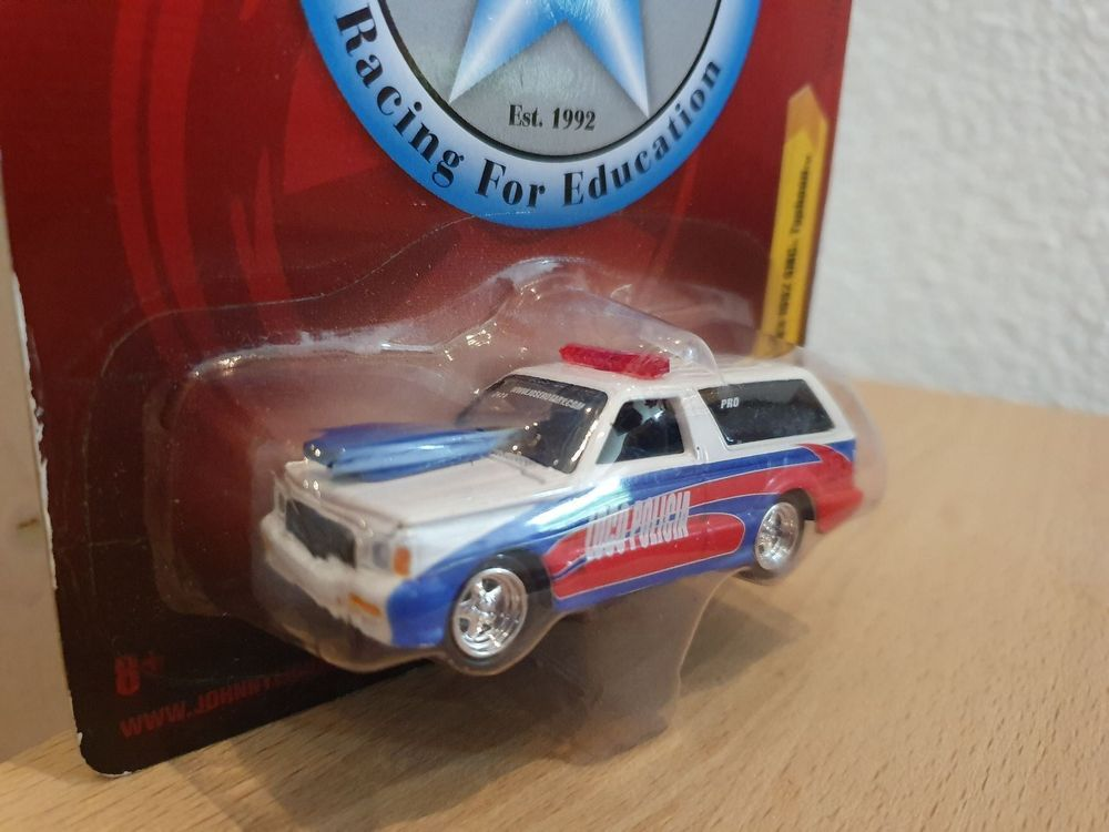 GMC Typhoon 1:64