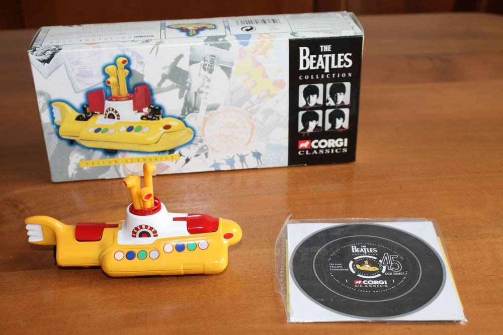 Corgi Beatles Yellow Submarine (1997)