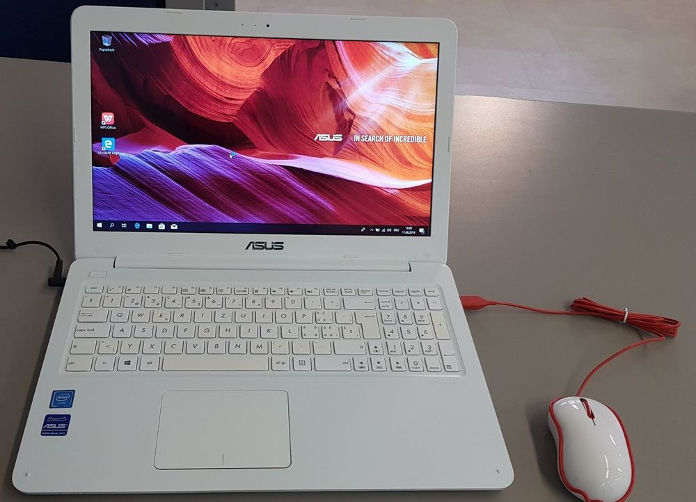 Notebook Asus E502M