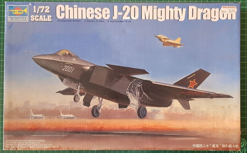 TRUMPETER J-20 MIGHTY DRAGON