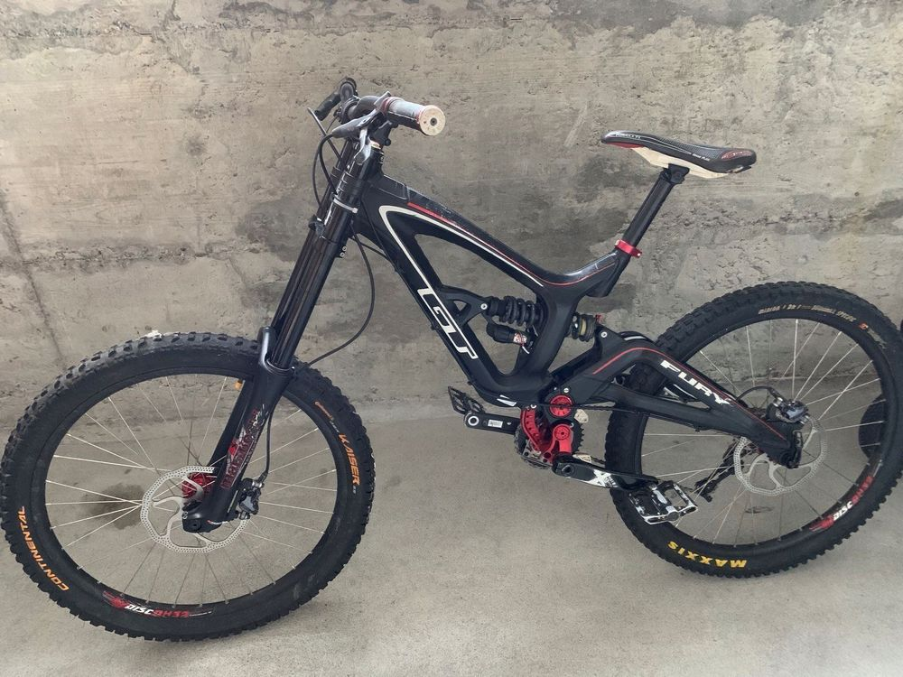Downhill Bike GT Fury
