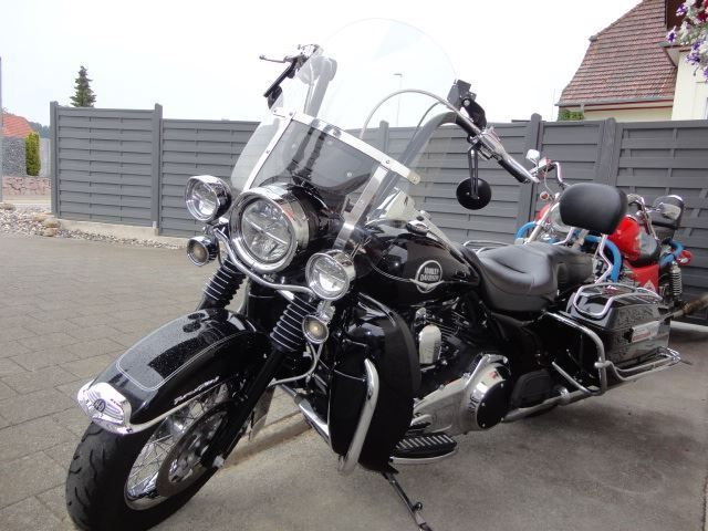HARLEY-DAVIDSON FLHRC Road King Classic ABS