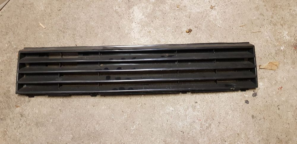 frontgrill vw polo 86c
