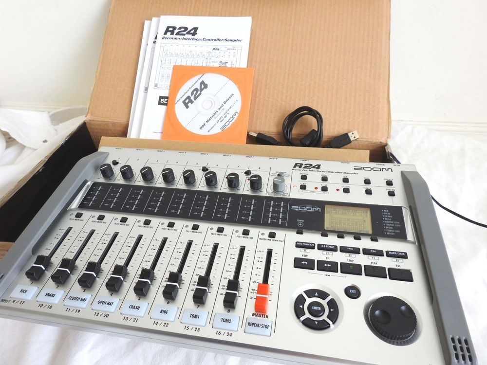 Zoom R24 24-track Recorder Interface