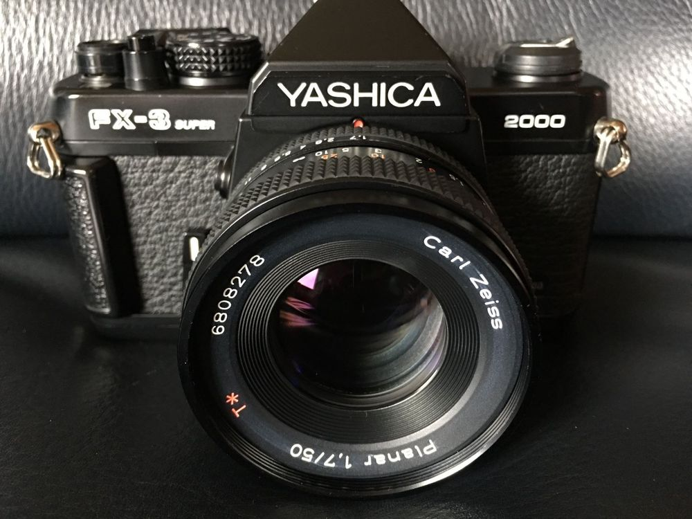 CARL ZEISS 1.7/50mm, Yashica FX-3 2000