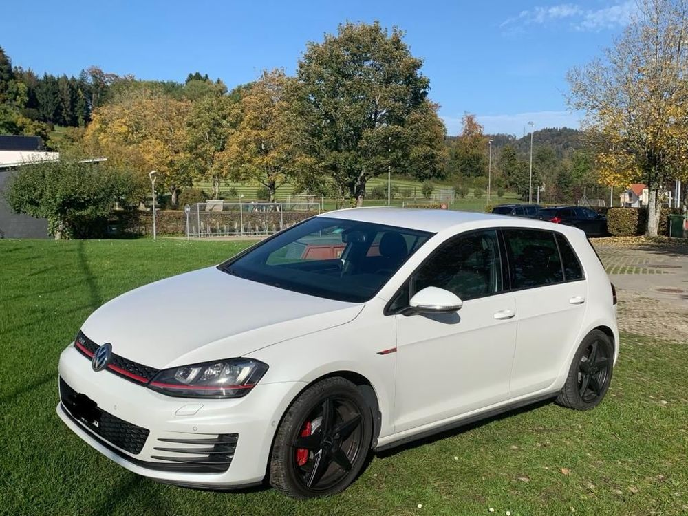 VW Golf 2.0 TSI GTI Performance DSG