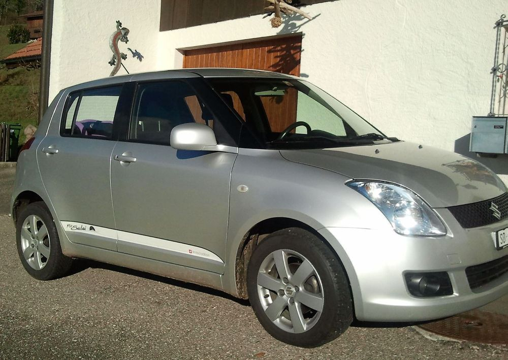 SUZUKI Swift 1.3i 16V GL Top Piz Sulai LE 4x4
