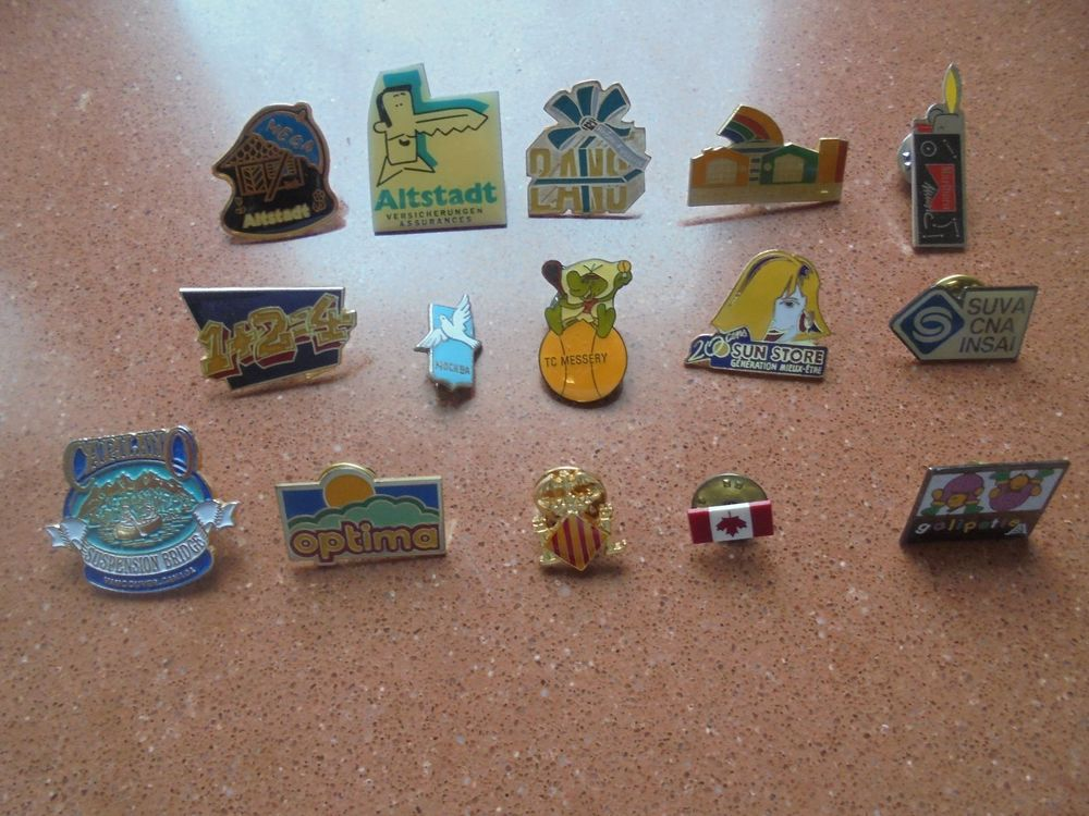 Lot de divers pins - 15 x