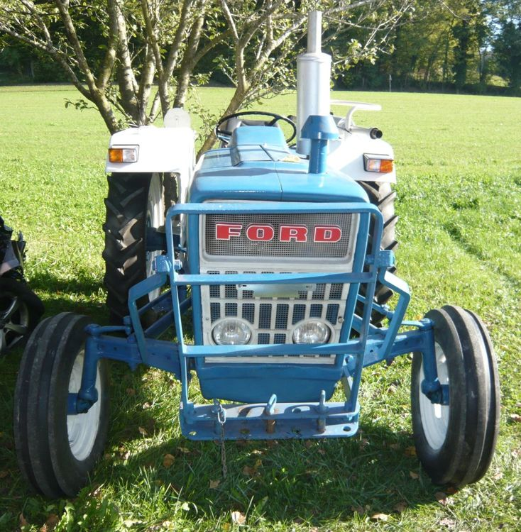 Tracteur Ford 3000