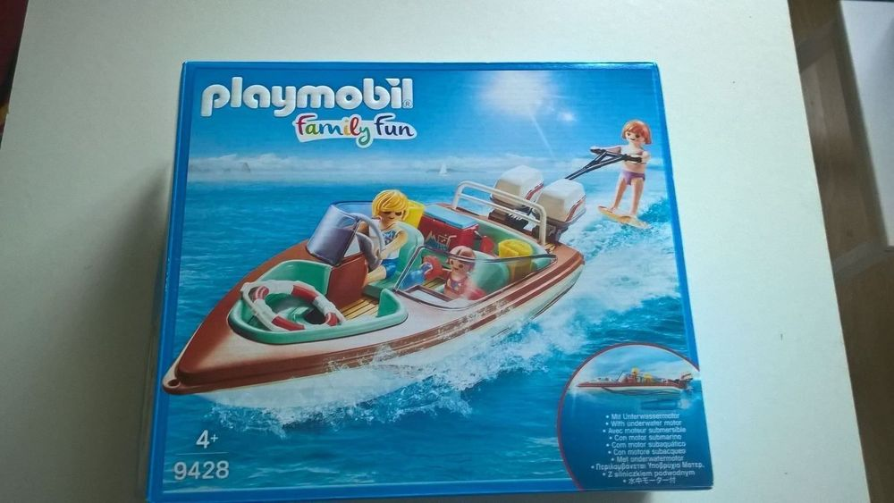 PLAYMOBIL  FAMILY FUN 9428
