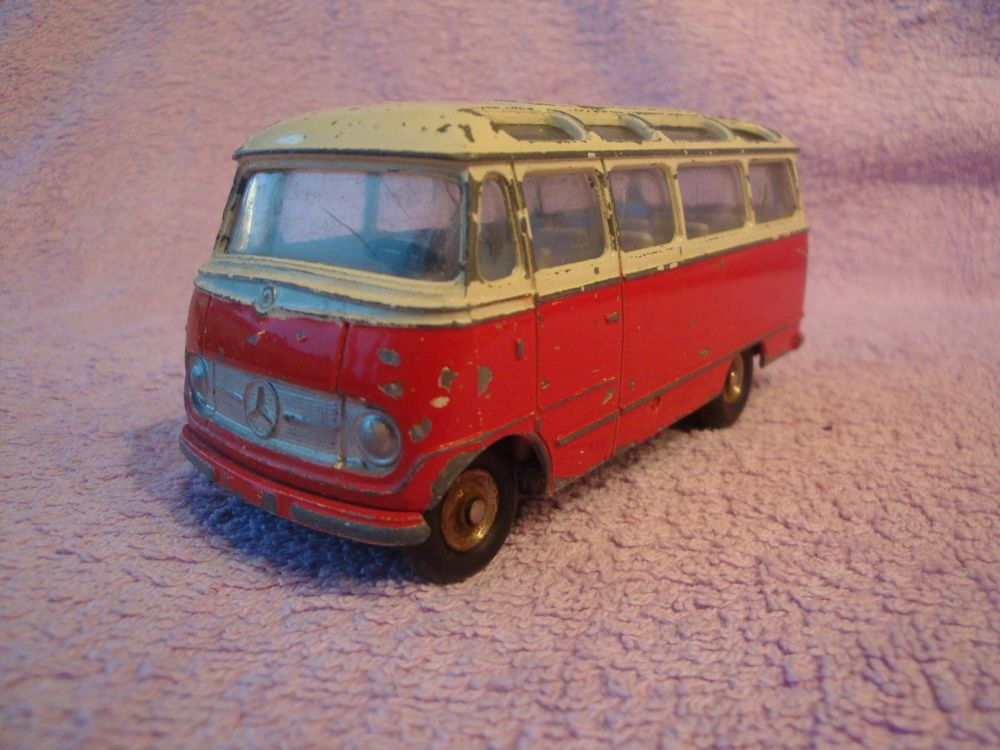 alter CAR MERCEDES BENZ von DINKY TOYS b