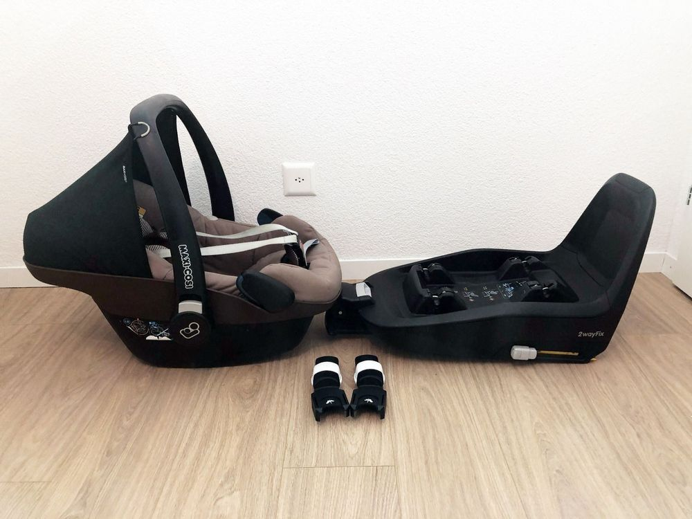 set maxi cosi pebble isofix station kaufen auf ricardo. Black Bedroom Furniture Sets. Home Design Ideas