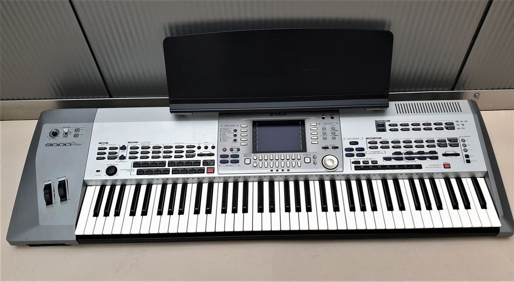 Workstation (Keyboard) Yamaha 9000 Pro