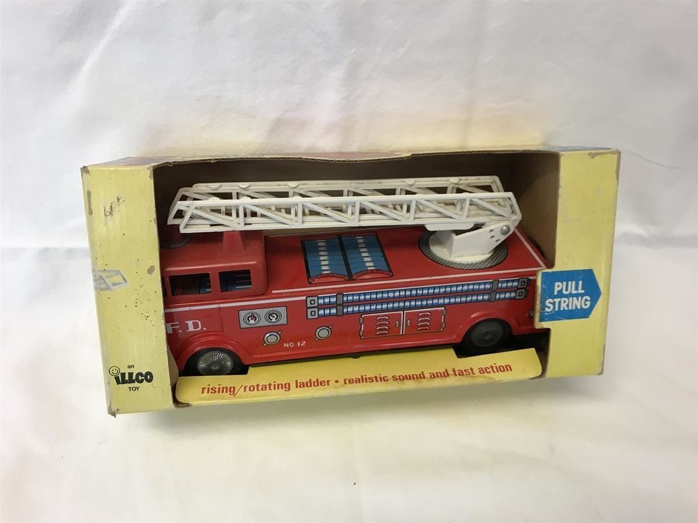 Illco Toy - Pull String Fire Engine OVP