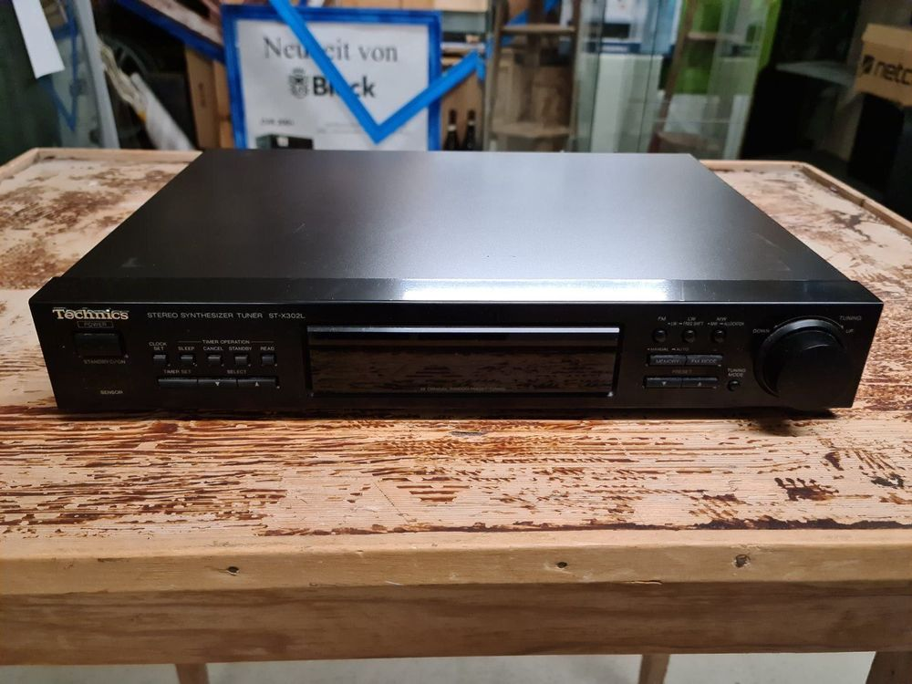 Technics Stereo Synthesizer Tuner 1