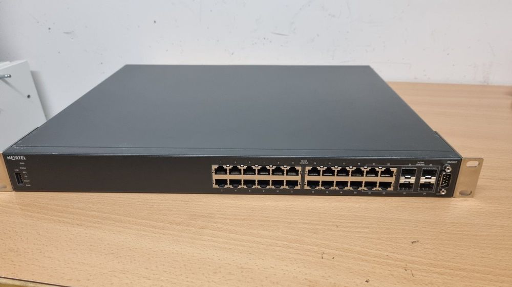 Nortel 4524GT Ethernet Routing Switch 1