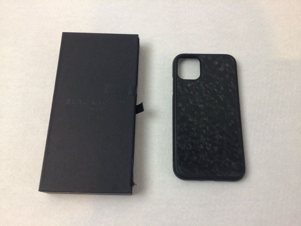 iPhone 11 Cover Forge Carbon 1