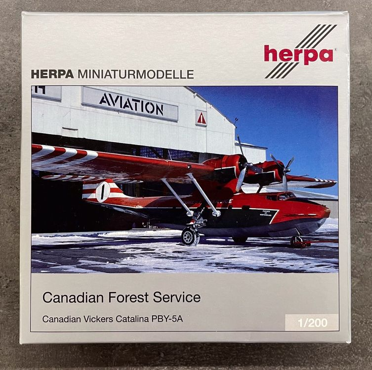 """Herpa Wings """"Canadian Forest Service"""" 1"""
