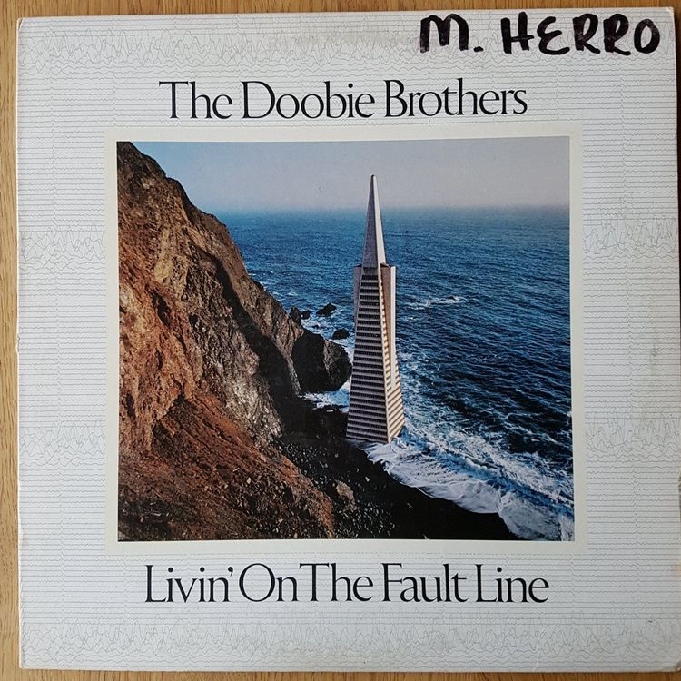 The Doobie Brothers - Livin' On The Faul 1