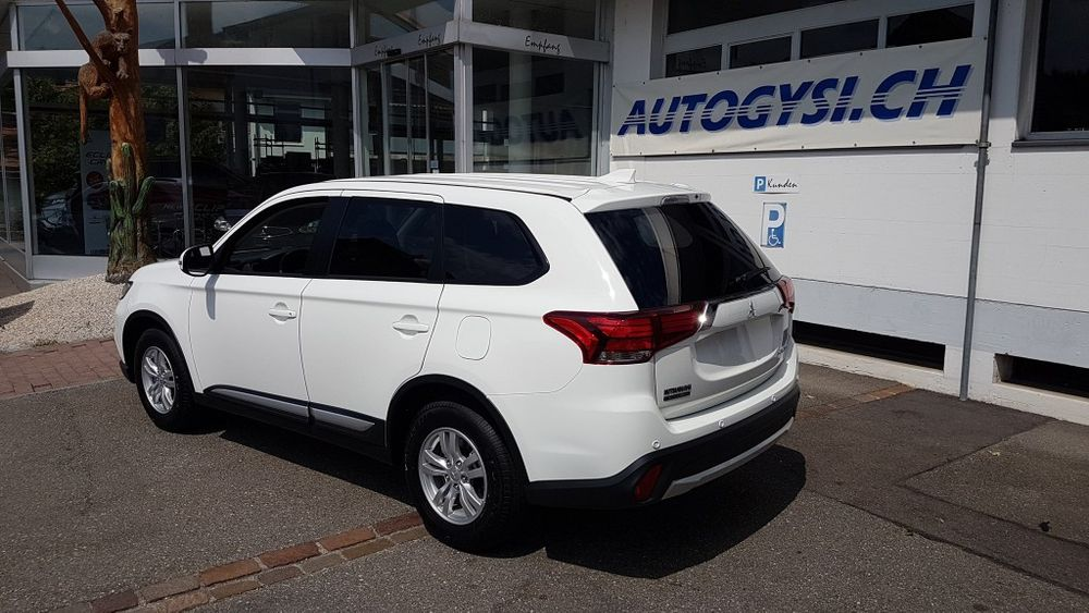 Mitsubishi Outlander 2.0 Value 4WD CVT