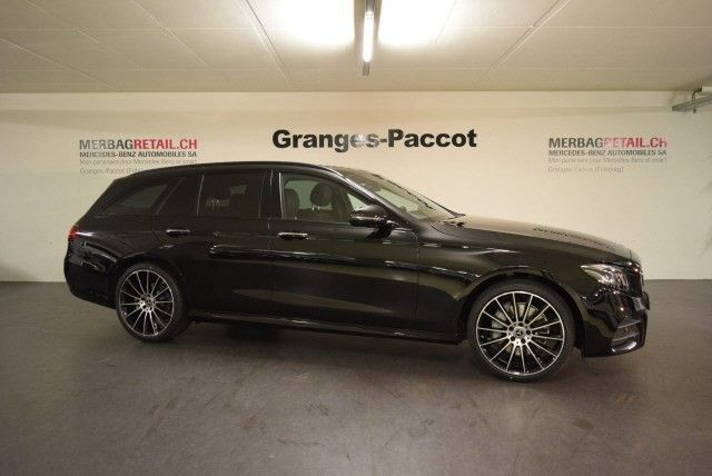 MERCEDES-BENZ E 220 d Swiss Star AMG 4M