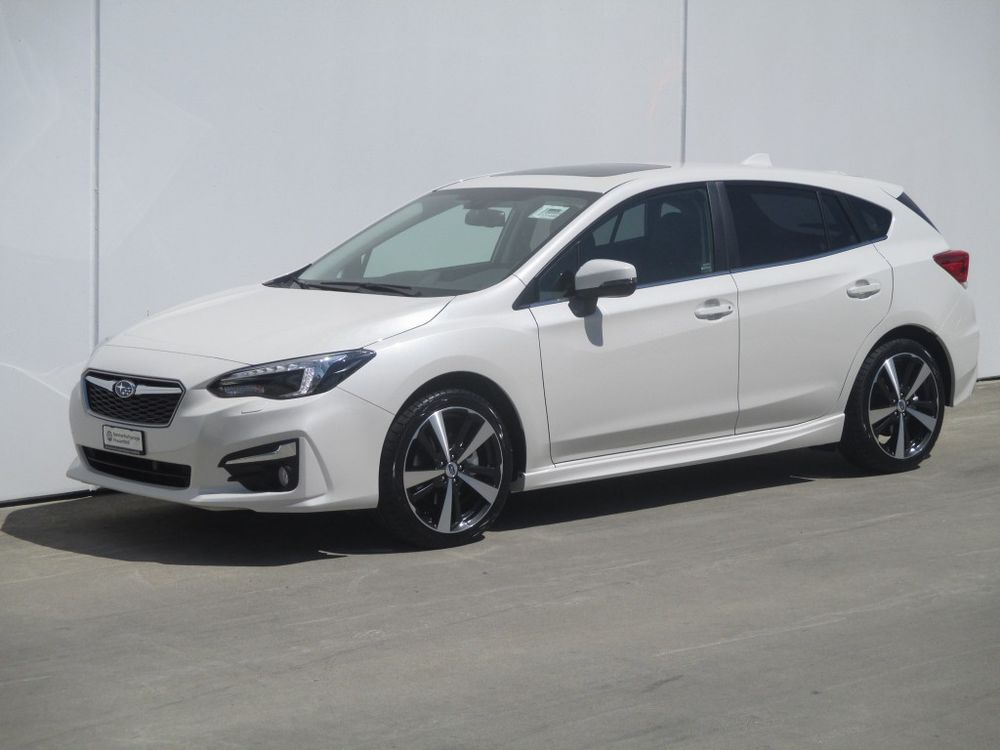 SUBARU Impreza 2.0 Luxury AWD Lineartronic