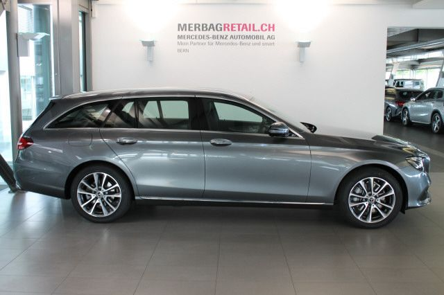 MERCEDES-BENZ E 220 d Swiss Star Av.4M