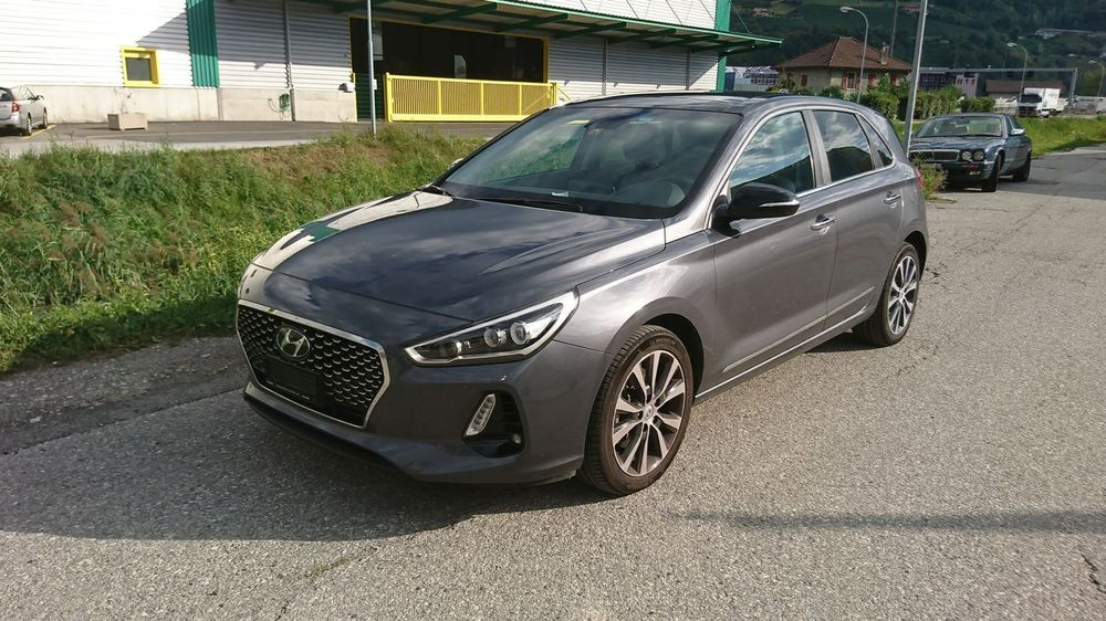 HYUNDAI i30 1.6 CRDi Launch Plus