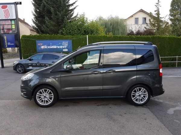 ford tourneo courier 1 0 scti titanium kaufen auf. Black Bedroom Furniture Sets. Home Design Ideas