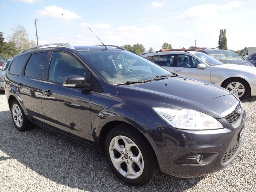Ford Focus 2.0i Carving Automatic