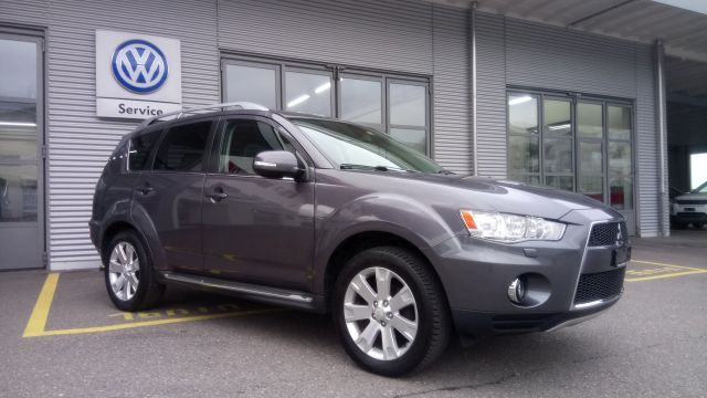 Mitsubishi Outlander 2.2 DID Instyle TC-SST