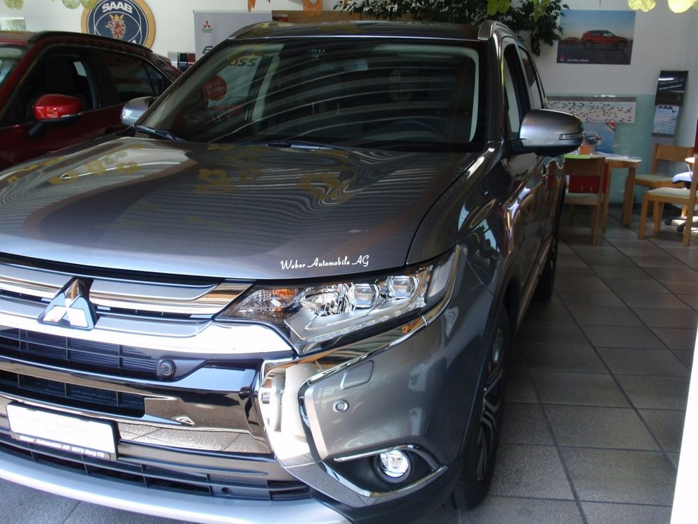 Mitsubishi Outlander 2.2 DID Diamond 4WD Automatic