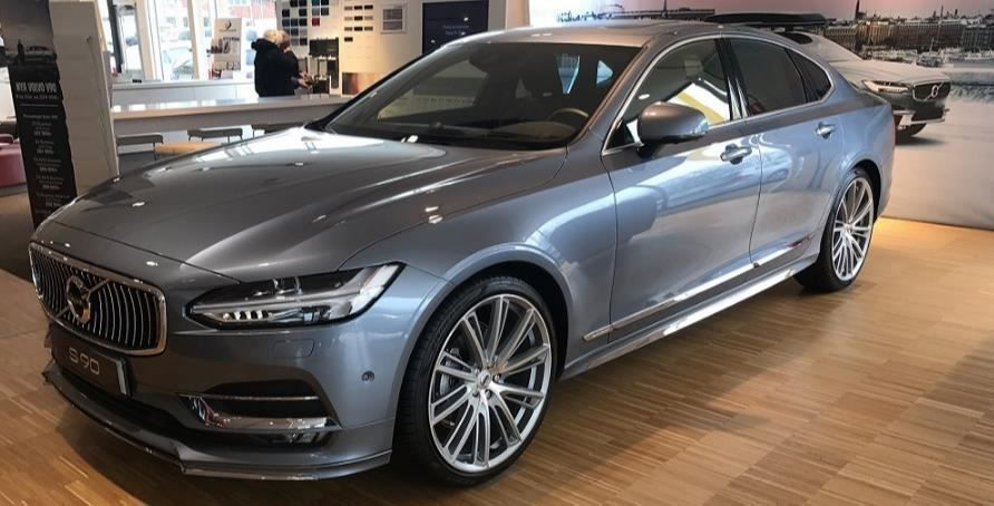 VOLVO S90 T4 Geartronic Momentum