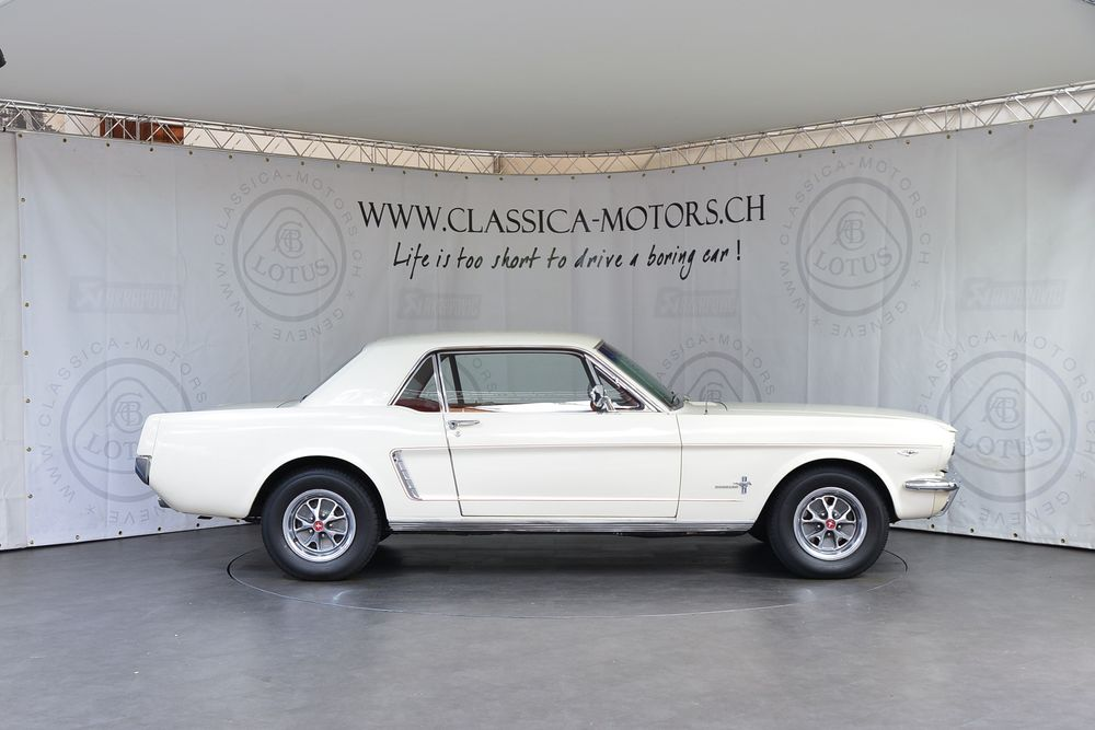 Ford MUSTANG Coupé V8 4.7
