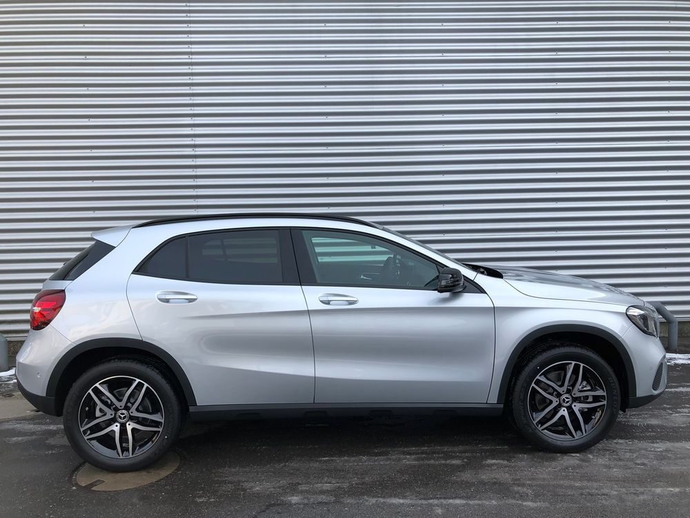 Mercedes-Benz GLA 220 Style 4Matic 7G-DCT