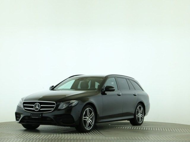 Mercedes-Benz E 200 AMG Line 4 Matic 9G-Tronic