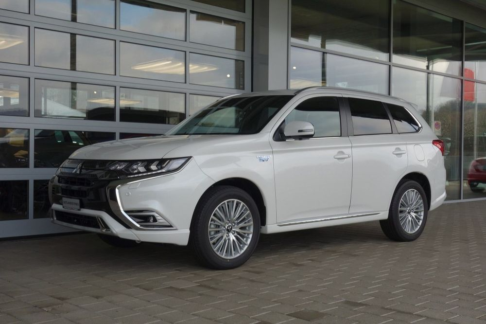 Mitsubishi Outlander 2.4 PHEV Diamond 4WD Automatic