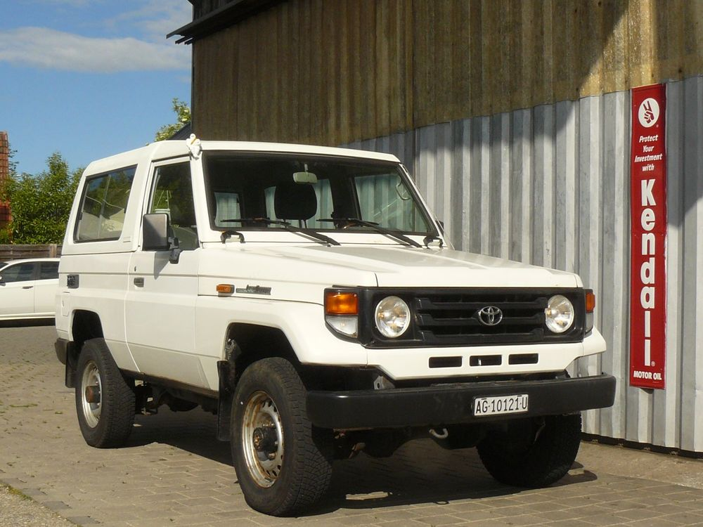 Toyota Land Cruiser 400 HdT 4.2 D